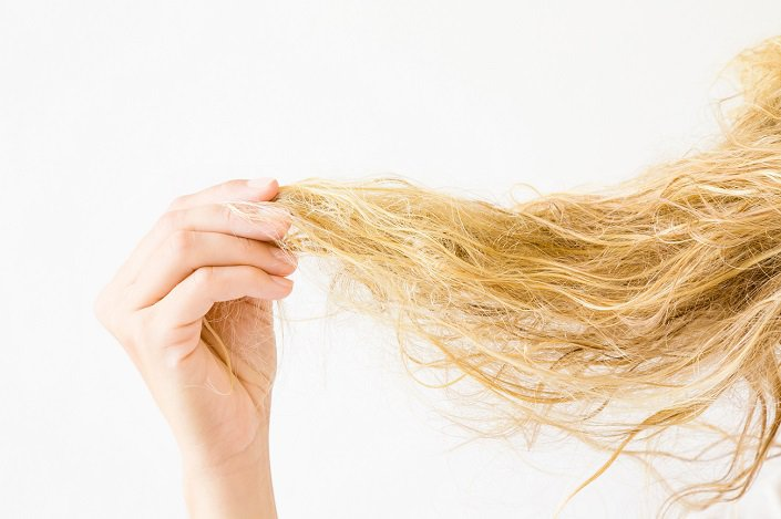 Reasons why you should limit air drying your hair and use the dryer