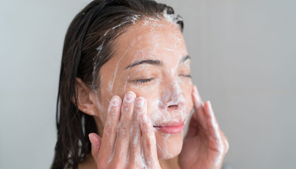 Here is a 4-step routine for sensitive skin.