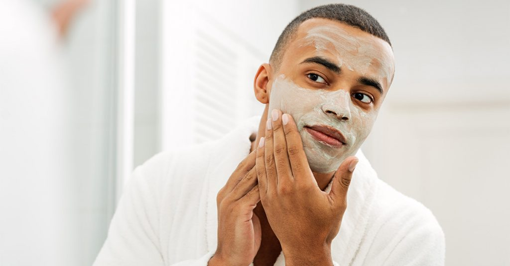 Is Bentonite Clay the Best Your Oily Skin Needs? We give you the scoop