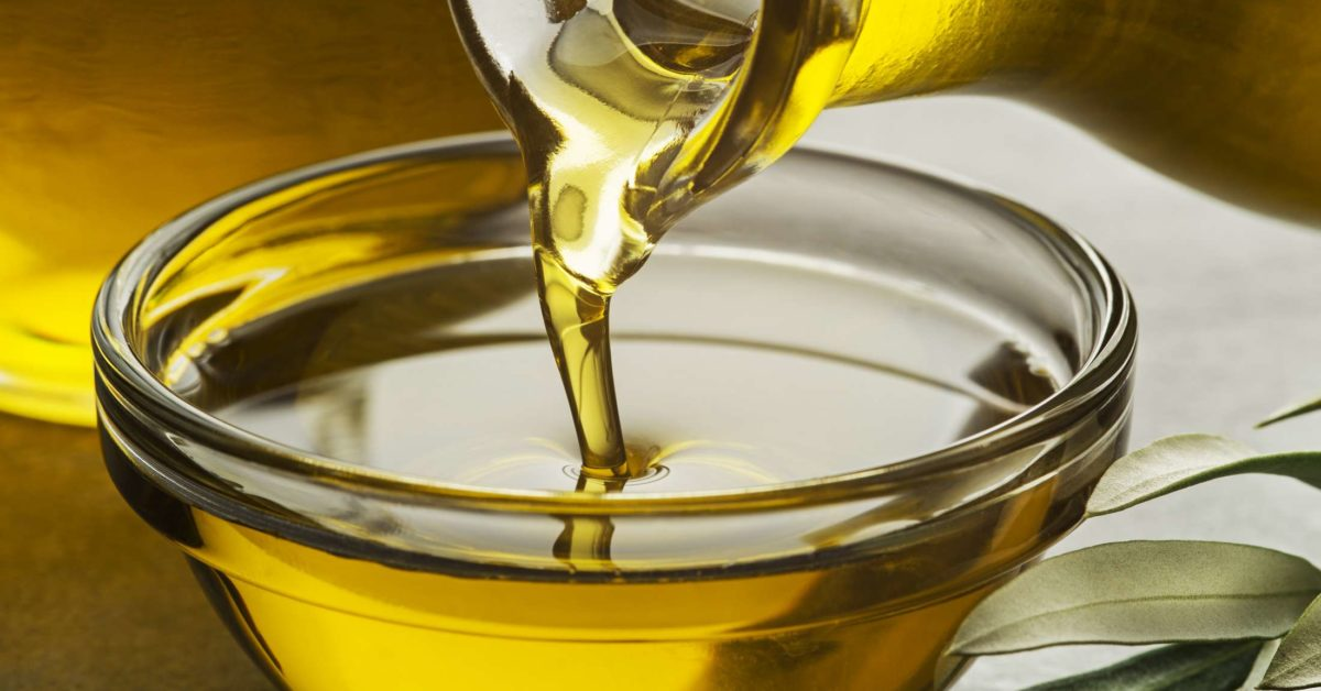 Does oil helps growing hair? Destroy common beauty myths