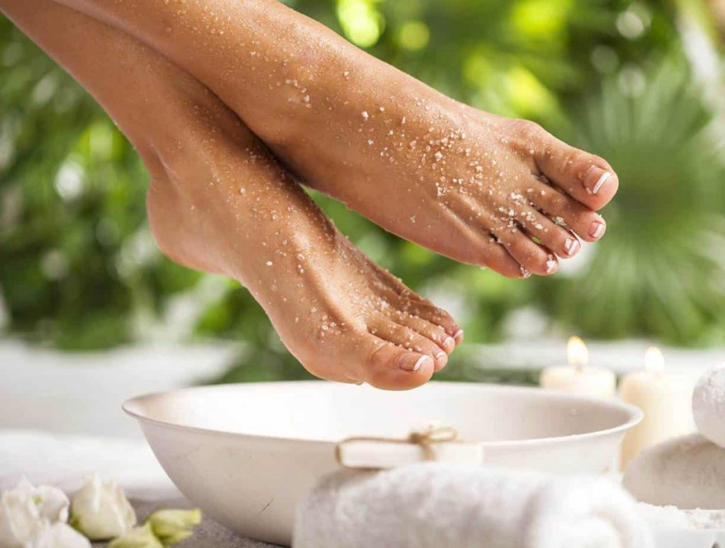 4 relaxing detox foot soaks to do at home